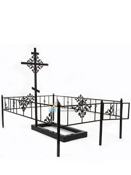 ограда на кладбище Глория Н30, металлическая с порошковой краской. Окрашивание на заводе Альтера. Altera Prof