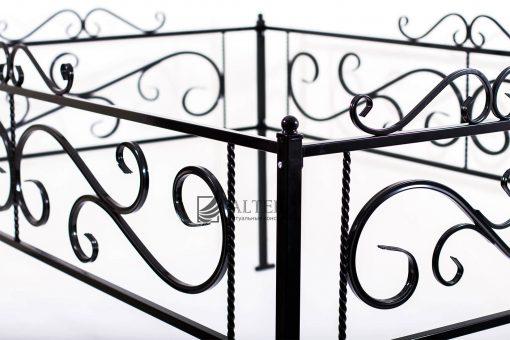 ограда на кладбище с элементами ковки №2 Н40, металлическая с порошковой краской. Окрашивание на заводе Альтера. Altera Prof